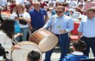 Gaziosmanpaşa'da Bin 200 Çevre Elçisi Öğrenci...