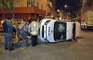Gaziosmanpaşa'da polis aracı takla attı: 2 polis...