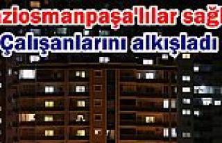 Gaziosmanpaşa'lılar balkonlara ve camlara çıkarak...