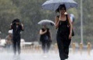 Hava durumu İstanbul için sağanak uyarısı AKOM...