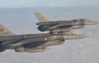 İki F-16 ile Suriye hava sahasında uçuş görevleri...