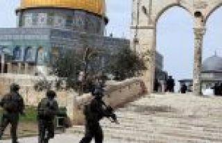 İsrail 2 hafta kapalı tuttuğu Mescid-i Aksa'da...