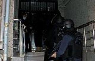 İstanbul'da DEAŞ operasyonu! 22 adrese baskın