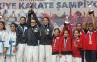 Karate Şampiyonasında Gaziosmanpaşa Rüzgarı Esti