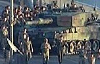 Köprüdeki 22 asker serbest bırakıldı