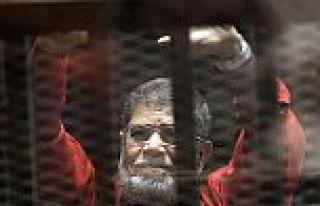 Mursi'den Mısırlılara bayram mesajı