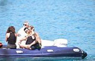 Sinem Kobal ile Kenan İmirzalıoğlu aşk tatilinde