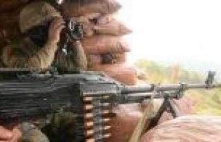 Sınır hattına saldıran PKK/PYD-YPG'li teröristler...