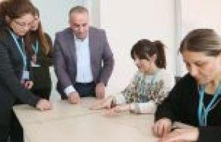 Sultangazi Belediye Personelinden Farkındalık Bilekliği