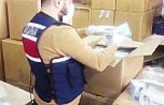 Sultangazi'de 800 bin adet kaçak maske ele geçirildi