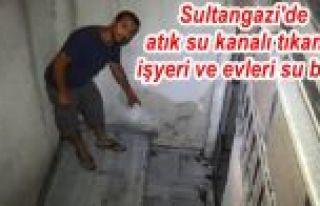 Sultangazi'de atık su kanalı tıkandı, işyeri...