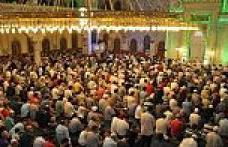 Sultangazi'de Demokrasi Şehitleri İçin Mevlit Okutuldu