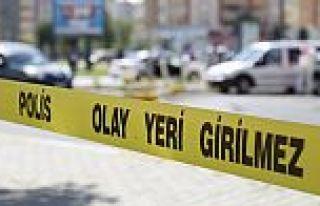 SULTANGAZİ'DE HIRSIZLIK ŞÜPHELİSİ MARKET ÇALIŞANLARININ...