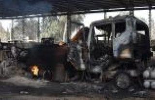 Teröristler Afrin'i yakıp yıkarak kaçtı