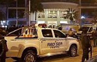 Turistlerin bulunduğu otele terörist saldırısı