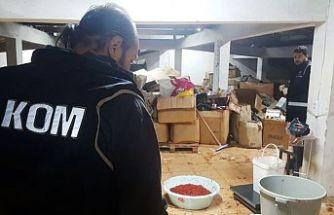 SULTANGAZİ'de depoya kaçak tütün operasyonu düzenlendi.