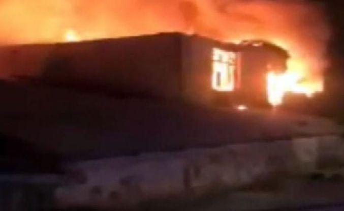 Arnavutköy'de tavuk çiftliğinde büyük yangın!