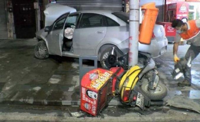 Sultangazi'de Akılalmaz kaza Otomobile, motosiklete, ağaca çarptı!