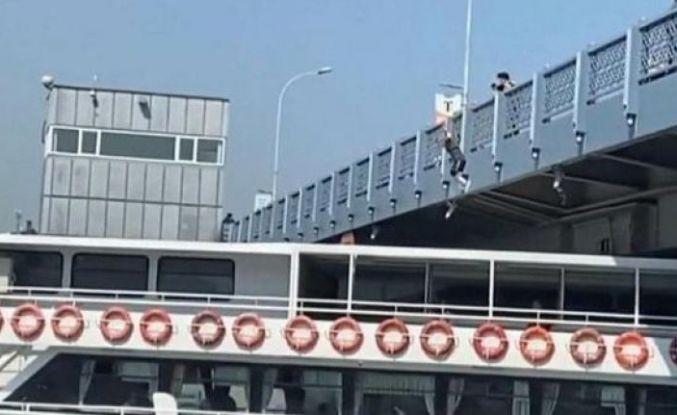 Galata Köprüsü'nden gemiye atlayan fenomen gözaltında