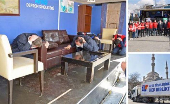 Gaziosmanpaşa'da Simülasyon tırında 7.4'lük deprem anını yaşadılar