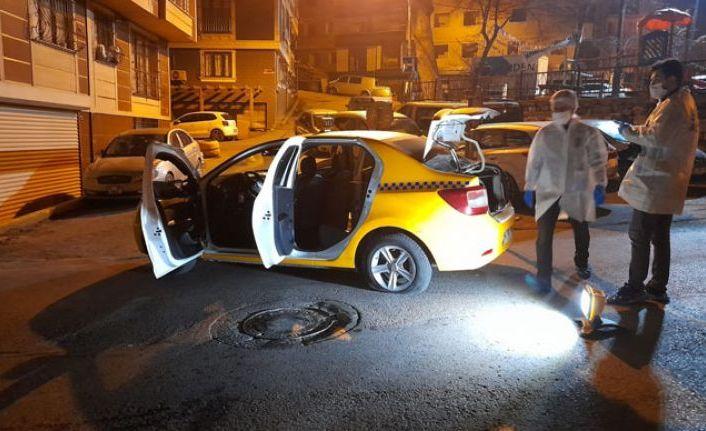 Gaziosmanpaşa'da olaylı gece! Sürücüye silah dayayıp kaçtılar